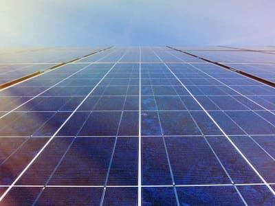 Eine große Photovoltaik-Anlage